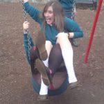 児童公園に来ると童心に戻るのは万国共通…公園でおふざけする外国人のエロさは桁違いwwww